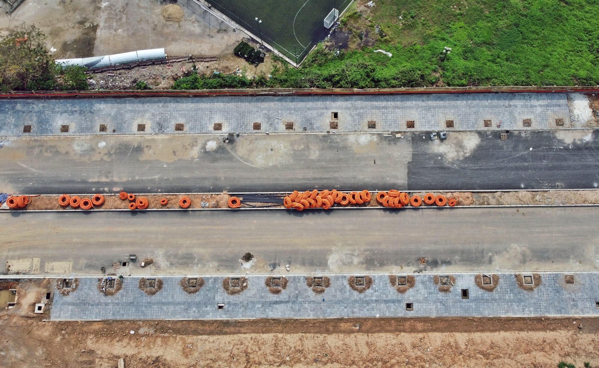 Toàn cảnh đường từ Vũ Quỳnh đến Lê Đức Thọ - Phạm Hùng đang mở theo quy hoạch ở Hà Nội - Ảnh 3.