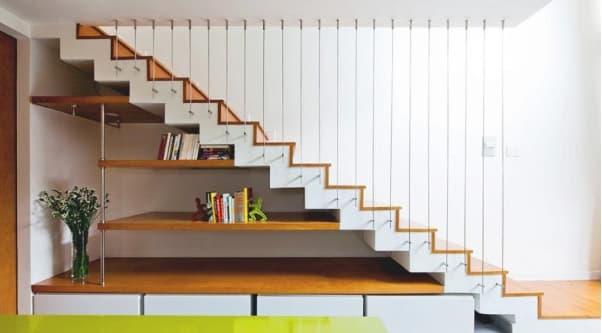 Tham khảo một số mẫu cầu thang gỗ đẹp và độc đáo năm 2021 - Ảnh 2.
