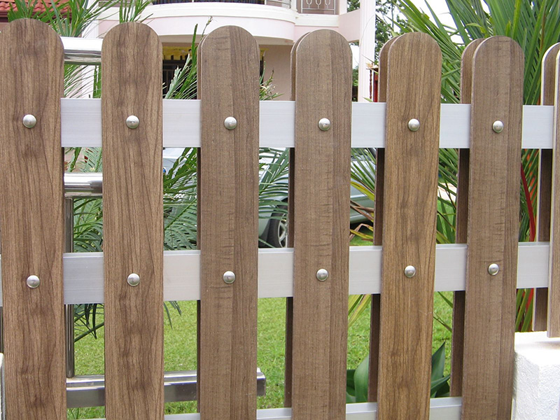 Gợi ý một số mẫu hàng rào đẹp và kiên cố cho nhà cấp 4 - Ảnh 8.