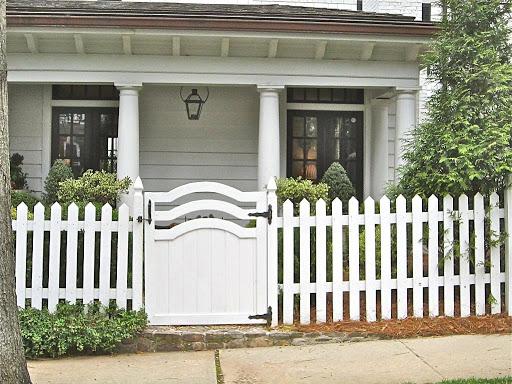 Gợi ý một số mẫu hàng rào đẹp và kiên cố cho nhà cấp 4 - Ảnh 11.