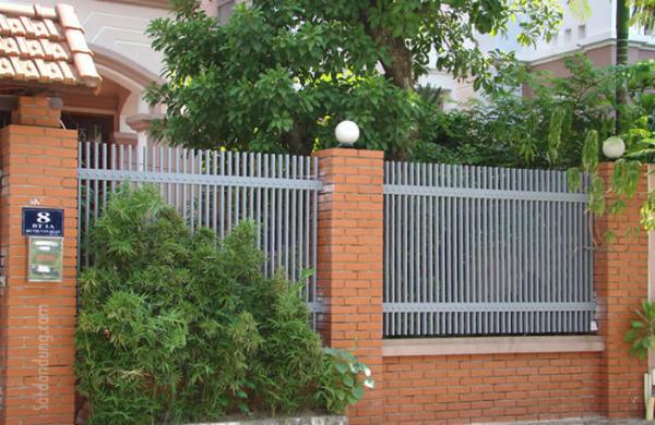 Gợi ý một số mẫu hàng rào đẹp và kiên cố cho nhà cấp 4 - Ảnh 18.