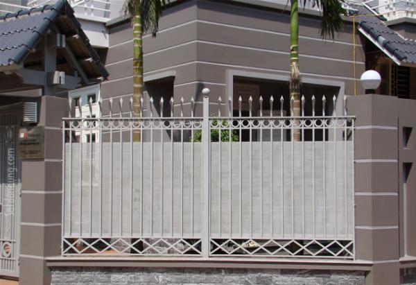 Gợi ý một số mẫu hàng rào đẹp và kiên cố cho nhà cấp 4 - Ảnh 19.