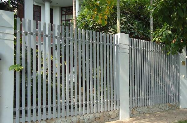 Gợi ý một số mẫu hàng rào đẹp và kiên cố cho nhà cấp 4 - Ảnh 20.