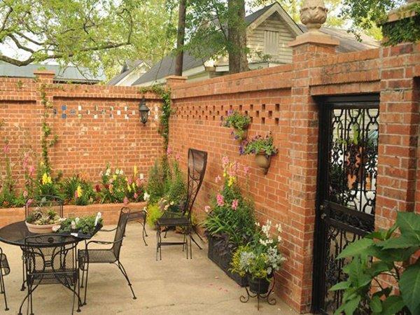 Gợi ý một số mẫu hàng rào đẹp và kiên cố cho nhà cấp 4 - Ảnh 3.