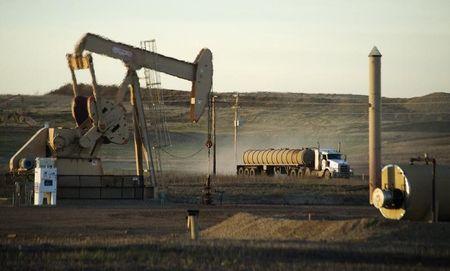 Giá xăng dầu hôm nay 26/3: Giá dầu tăng trở lại hơn 1% sau phiên giảm hôm qua - Ảnh 1.