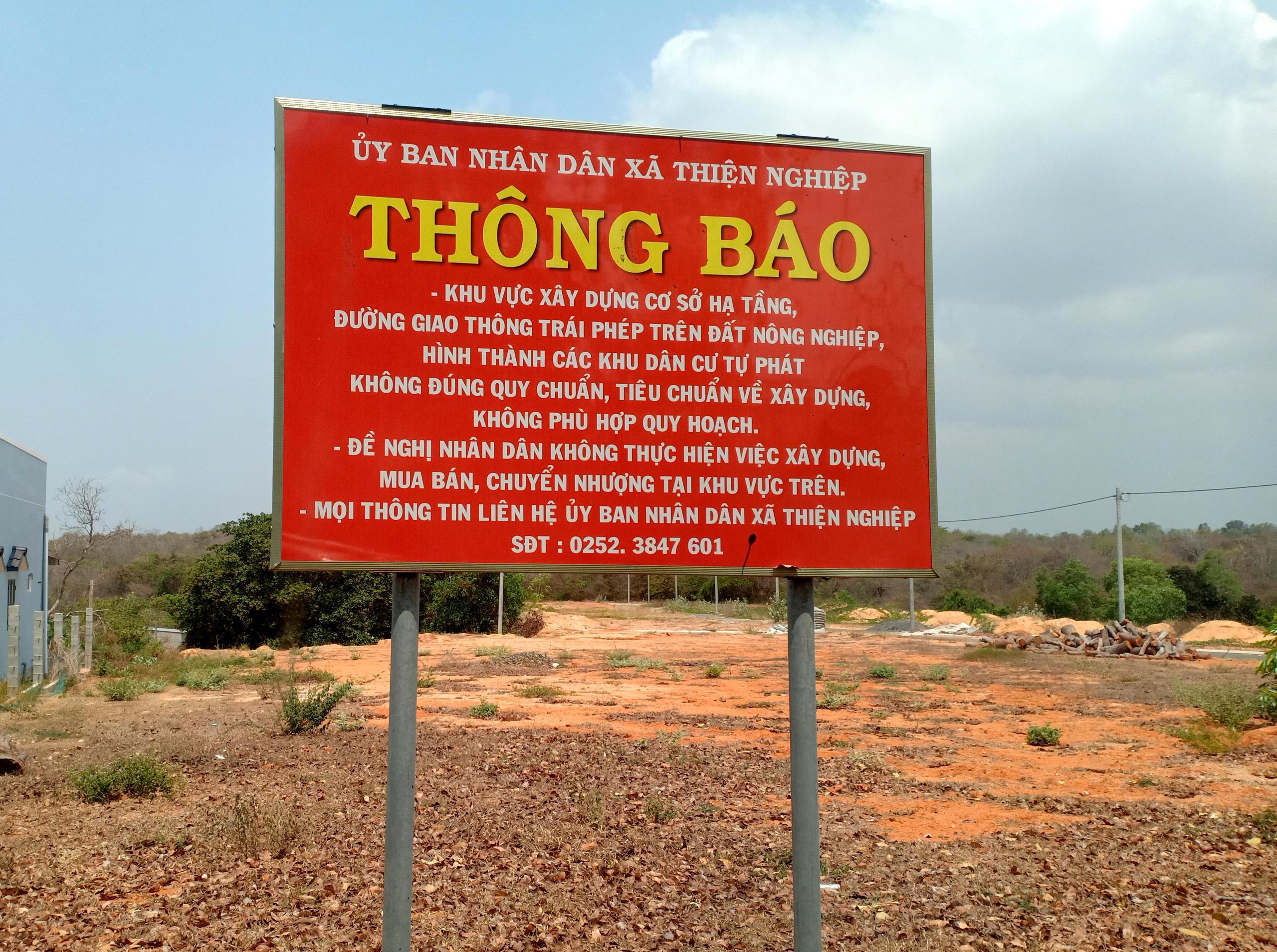Cận cảnh sân bay Phan Thiết gây sốt đất - Ảnh 12.
