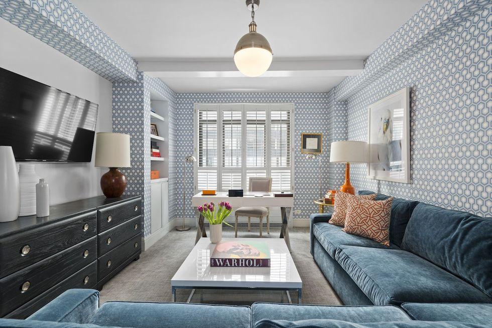 Tham khảo cách trang trí phòng khách ấn tượng bằng giấy dán tường - Ảnh 5.