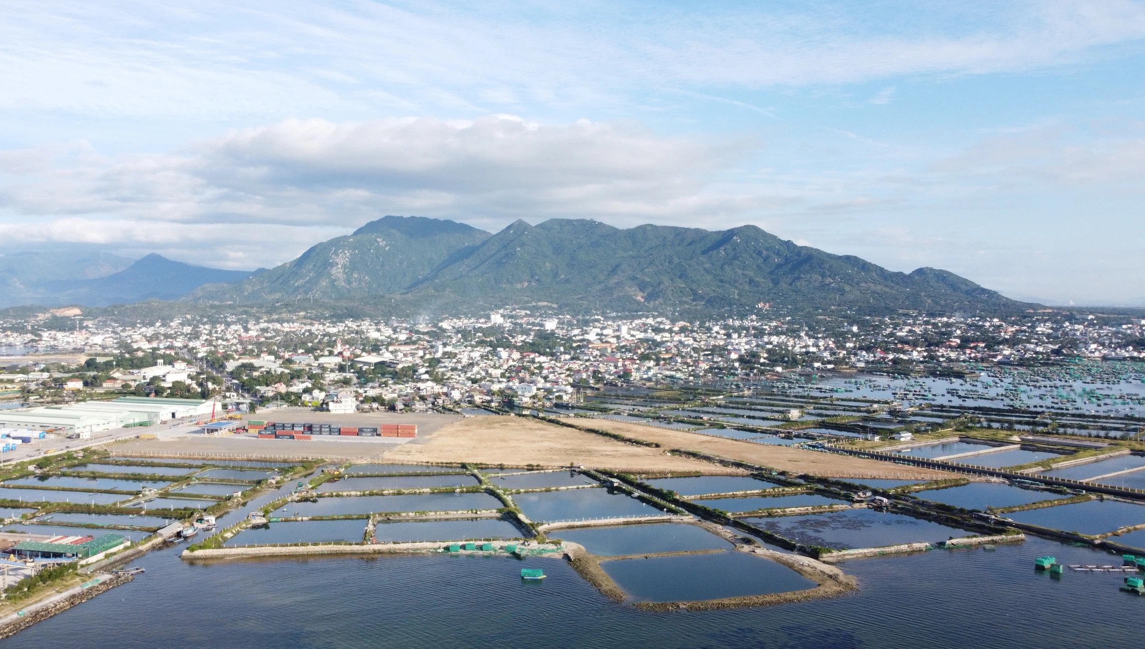 Điều chỉnh quy hoạch 1/2.000 KĐT ven vịnh Cam Ranh rộng gần 1.500 ha - Ảnh 2.