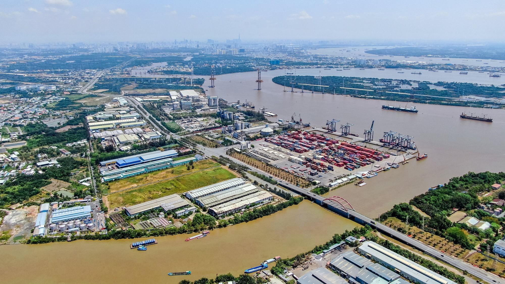 Bất động sản Cần Giuộc hưởng lợi kép nhờ sóng đầu tư hạ tầng và khu công nghiệp đổ bộ - Ảnh 1.