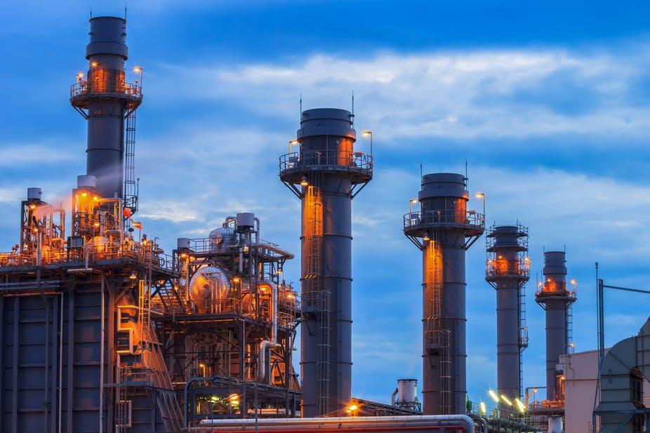 Giá xăng dầu hôm nay 29/4: Giá dầu tăng gần 1% nhờ triển vọng nhu cầu lạc quan - Ảnh 1.