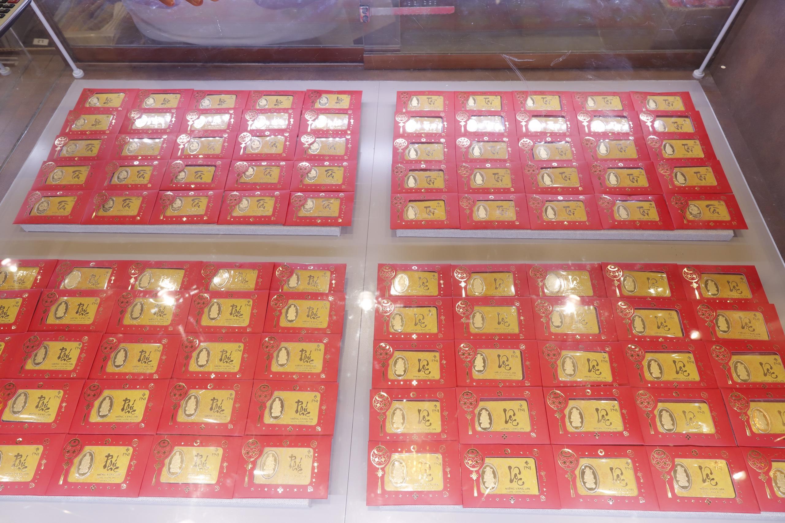 Giá vàng hôm nay 29/4: Vàng miếng SJC tăng sau phát biểu từ Chủ tịch Fed - Ảnh 1.