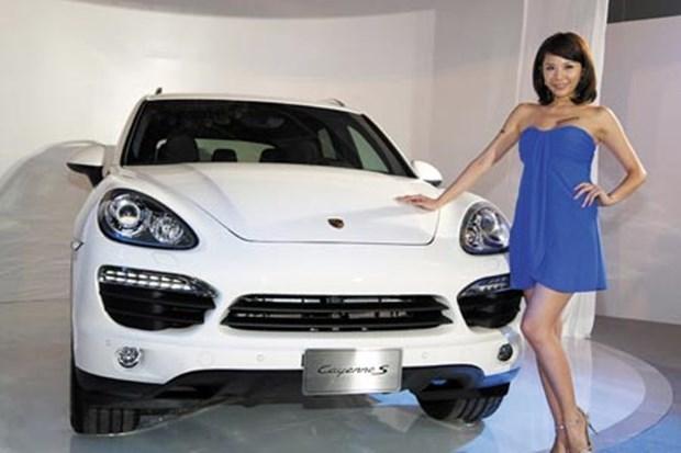 Porsche thu hồi hàng trăm xe sang tại thị trường Trung Quốc - Ảnh 1.