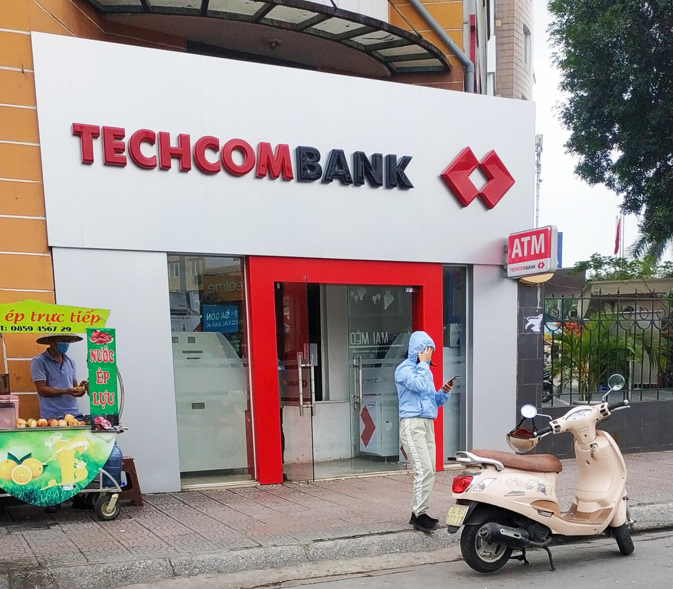 Đề cử em trai 8X của Chủ tịch Hồ Hùng Anh vào HĐQT Techcombank - Ảnh 1.