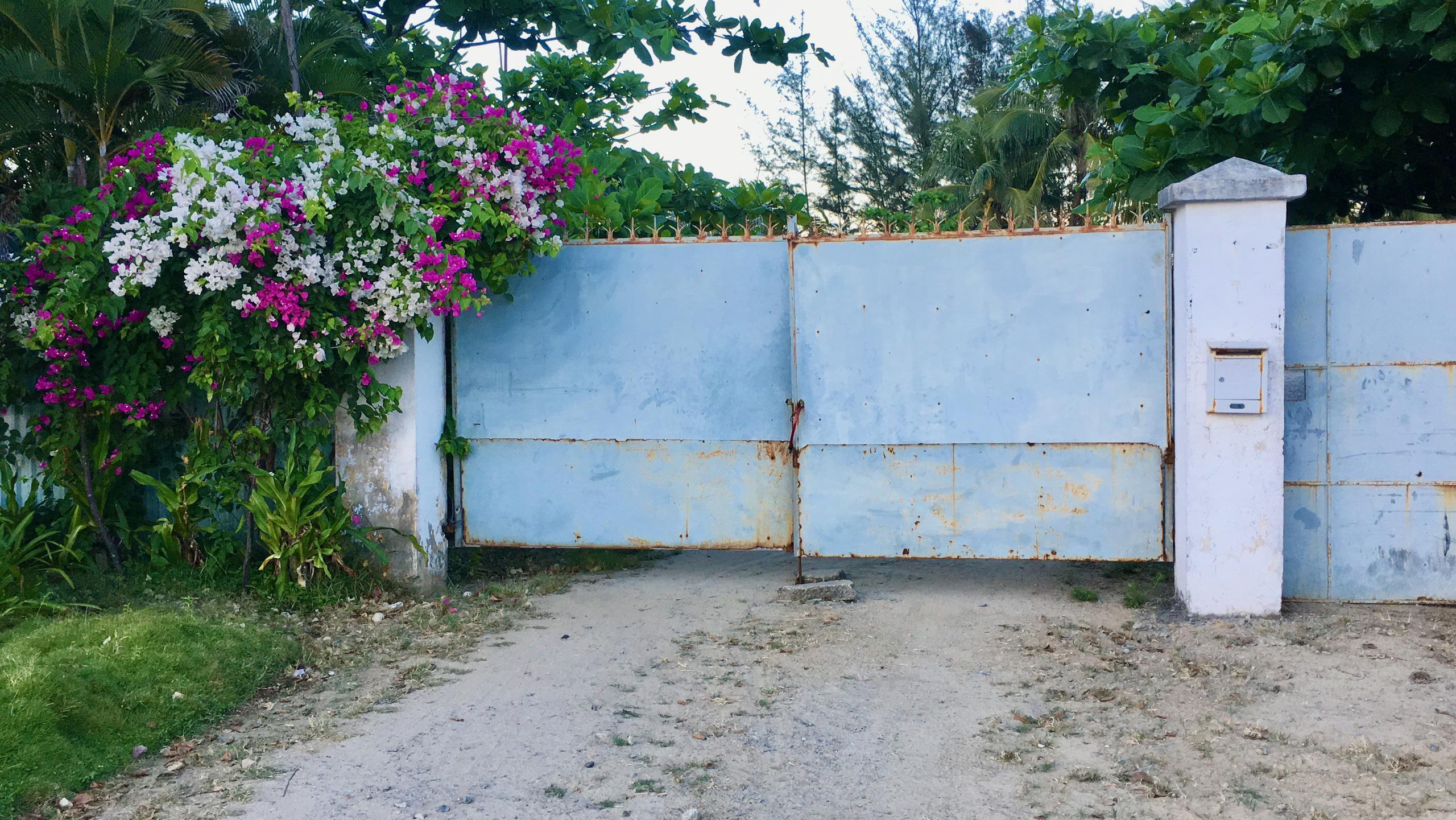 Dự án hơn 12 ha ven biển Đà Nẵng mà Công ty của vợ chồng Chủ tịch VNDirect muốn rút đầu tư hiện đang bỏ hoang - Ảnh 4.