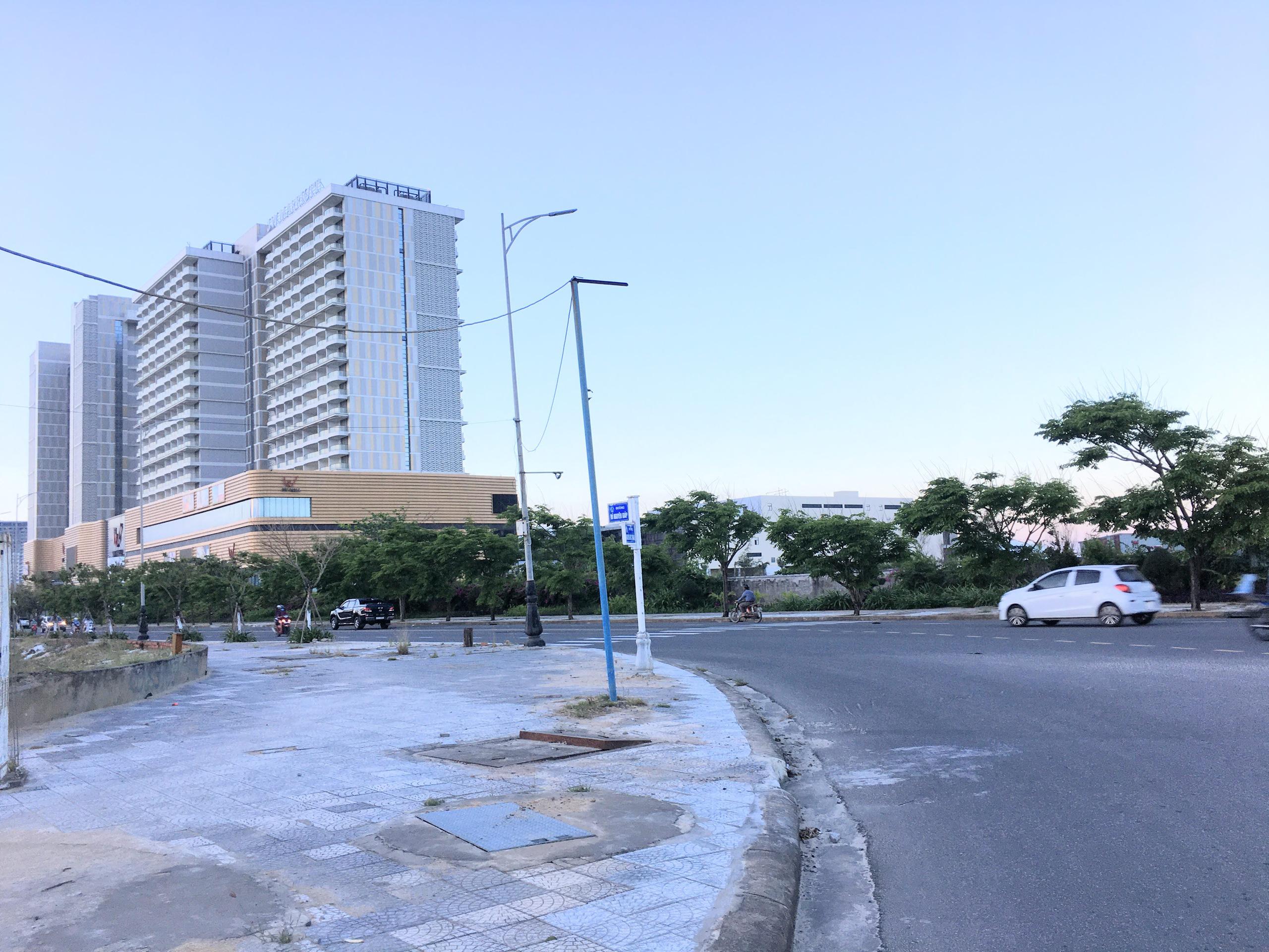 Dự án hơn 12 ha ven biển Đà Nẵng mà Công ty của vợ chồng Chủ tịch VNDirect muốn rút đầu tư hiện đang bỏ hoang - Ảnh 12.