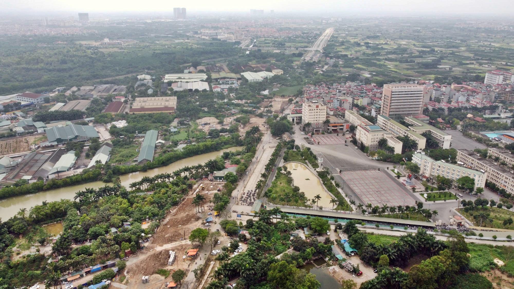 Toàn cảnh đường Tây Thăng Long đang mở theo quy hoạch ở Hà Nội - Ảnh 12.