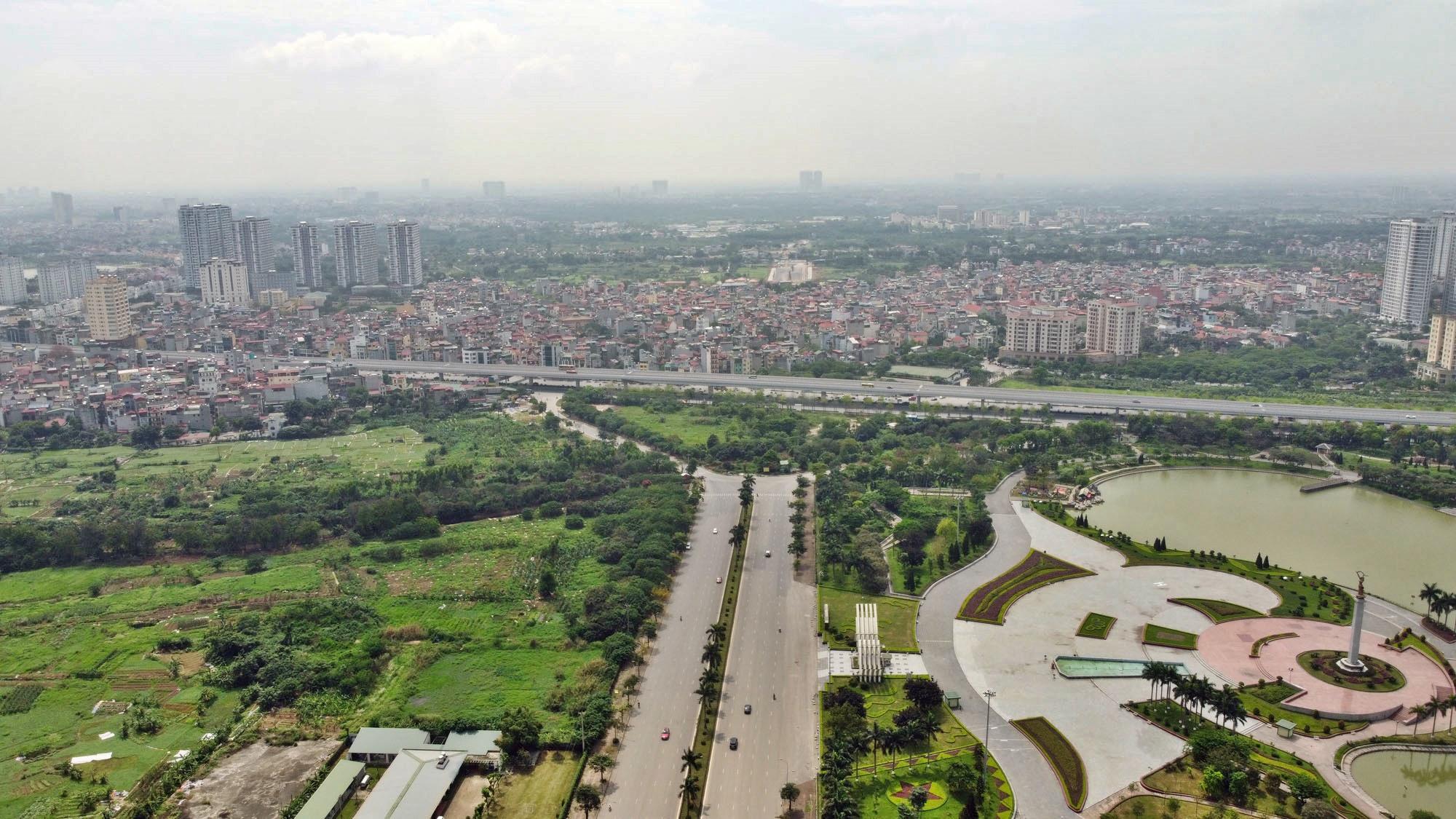 Toàn cảnh đường Tây Thăng Long đang mở theo quy hoạch ở Hà Nội - Ảnh 16.