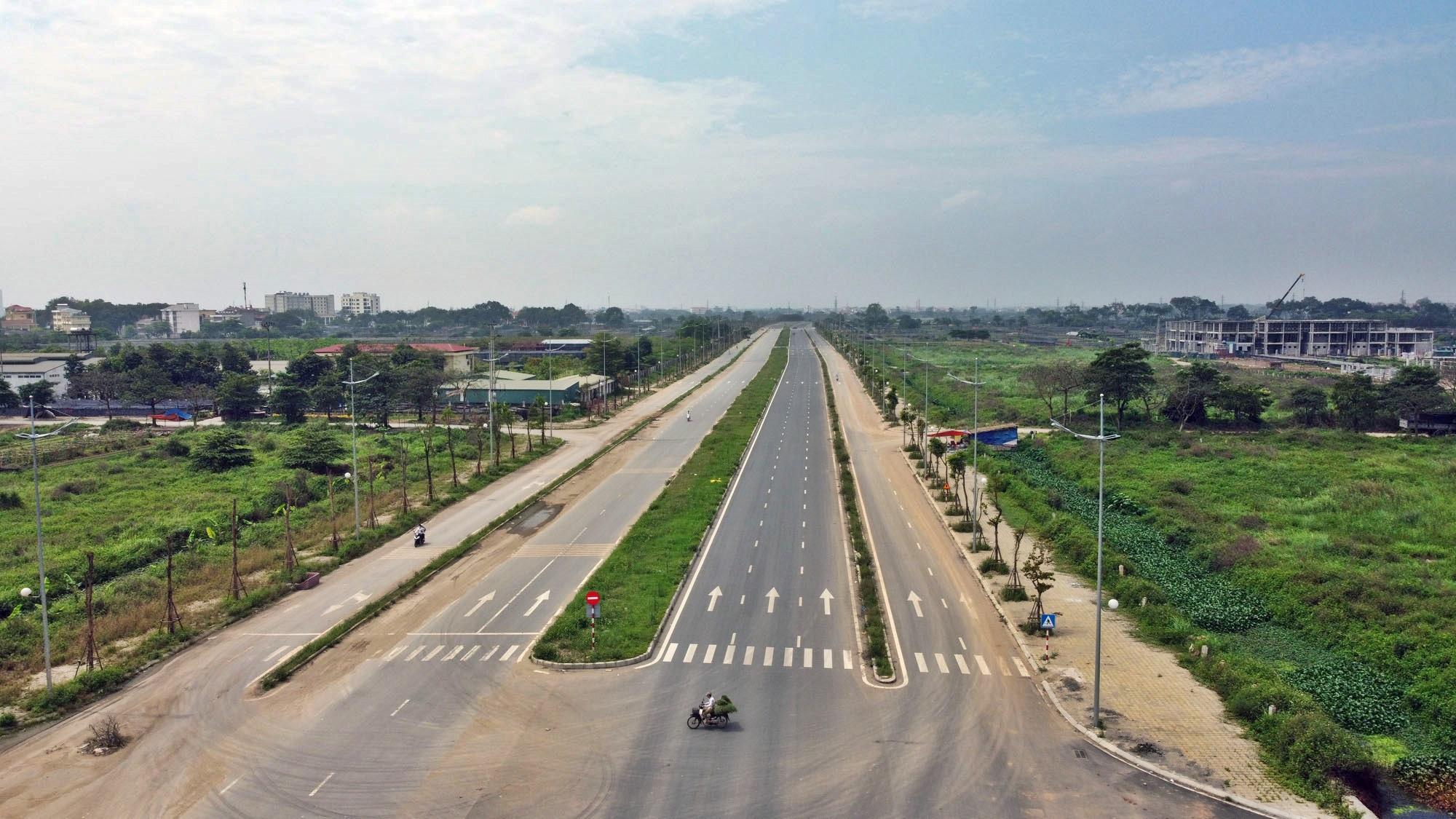 Toàn cảnh đường Tây Thăng Long đang mở theo quy hoạch ở Hà Nội - Ảnh 4.