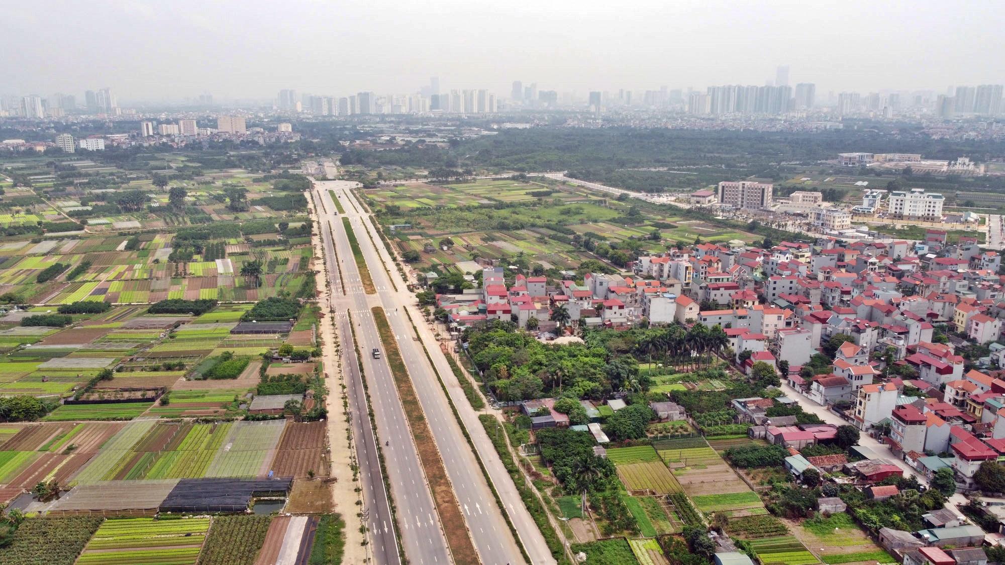 Toàn cảnh đường Tây Thăng Long đang mở theo quy hoạch ở Hà Nội - Ảnh 8.