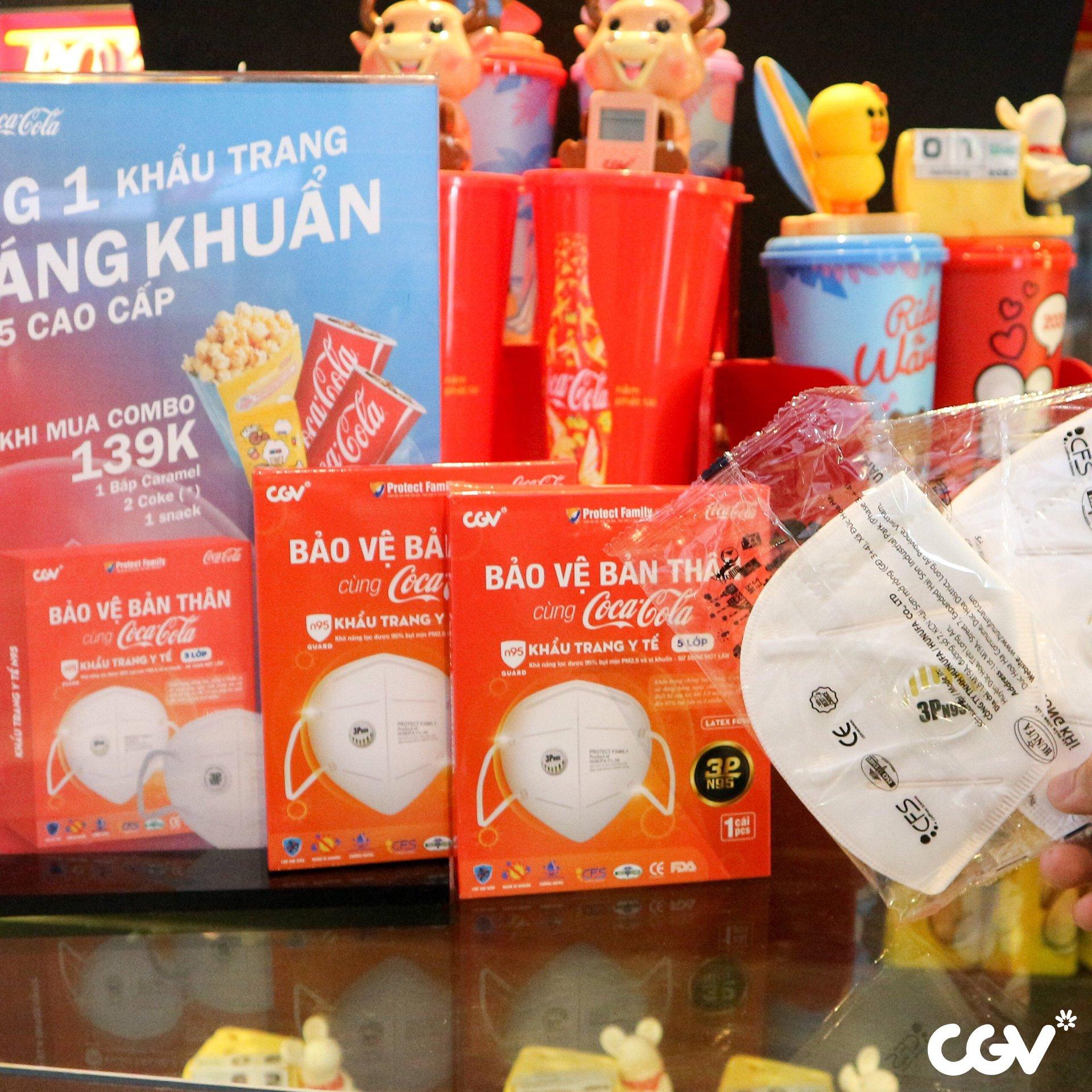 CGV khuyến mãi tháng 4: Vé xem phim giá 19.000 đồng, mua combo bắp nước tặng khẩu trang - Ảnh 4.
