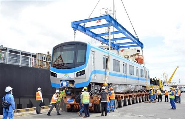 Thêm hai đoàn tàu tuyến metro số 1 Bến Thành - Suối Tiên về tới TP HCM - Ảnh 1.