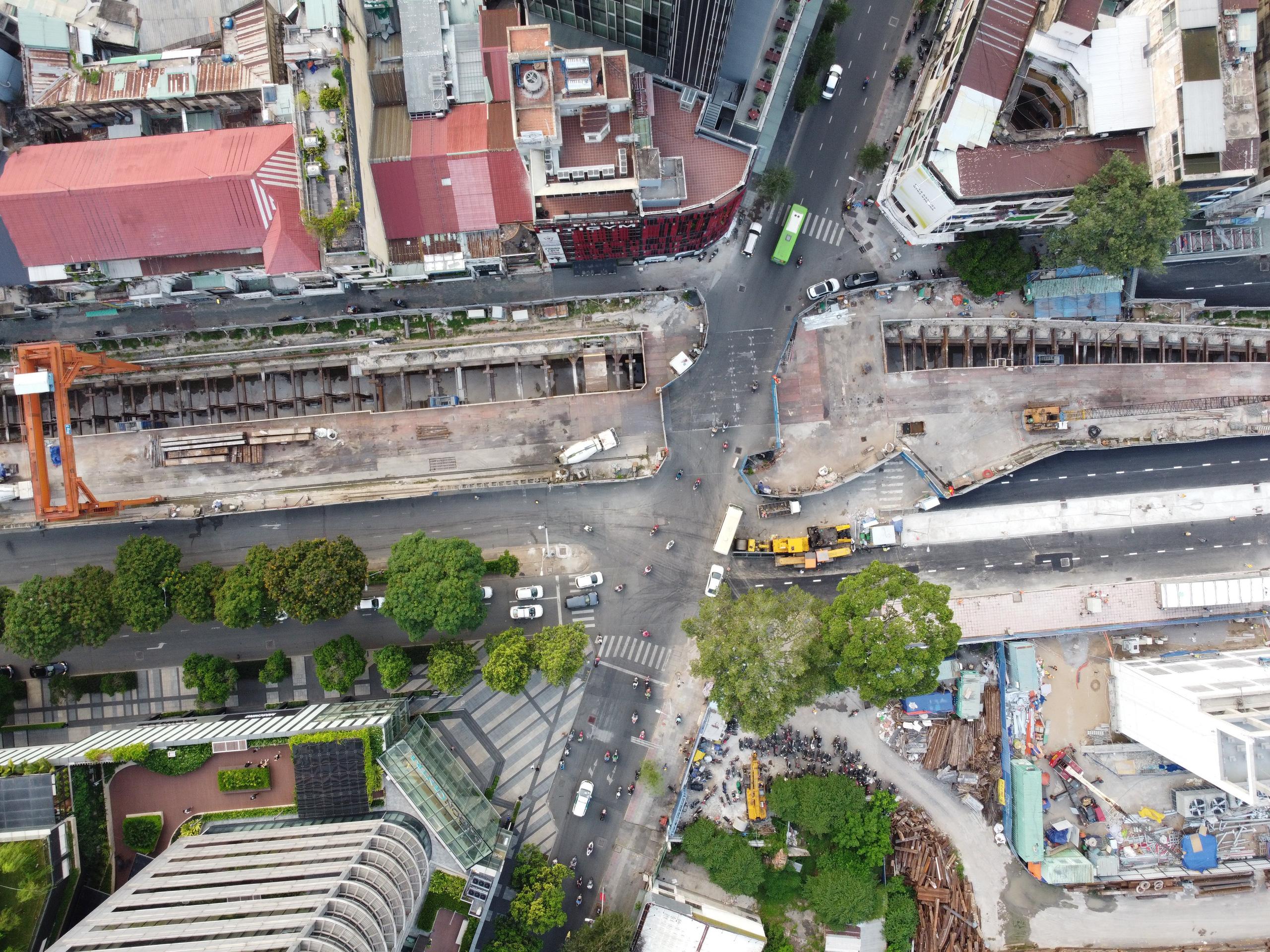 Cận cảnh tuyến đường sắt metro Bến Thành - Suối Tiên trước ngày đón đoàn tàu số 2 và 3 - Ảnh 5.
