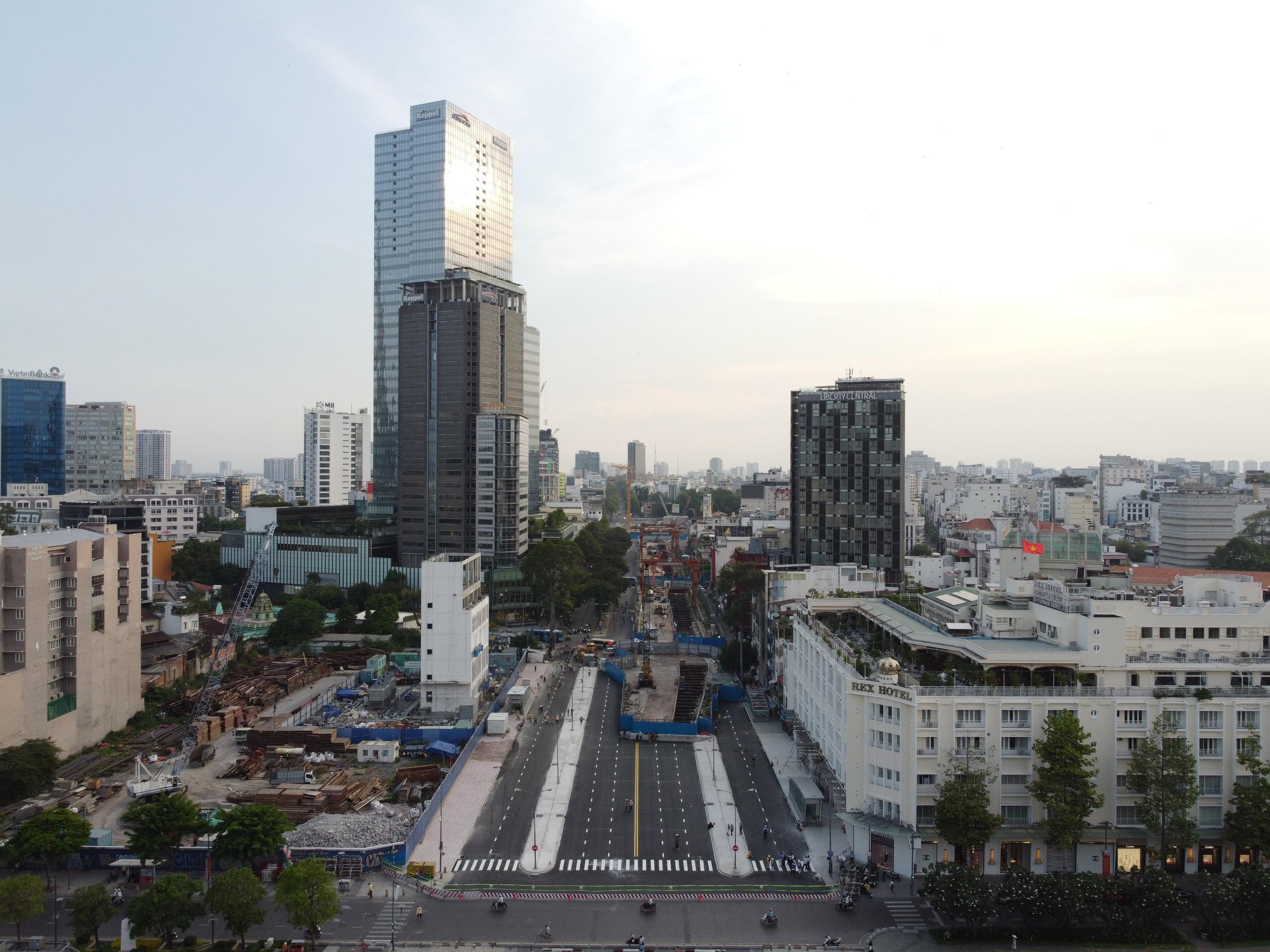 Cận cảnh tuyến đường sắt metro Bến Thành - Suối Tiên trước ngày đón đoàn tàu số 2 và 3 - Ảnh 2.