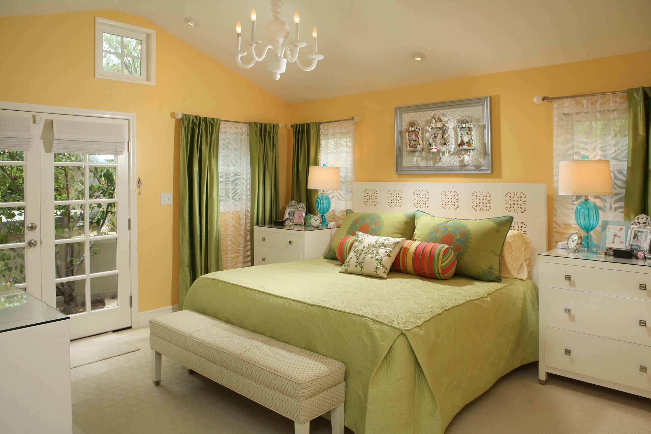 Bật mí những cách đơn giản để làm cho phòng ngủ rộng rãi hơn - Ảnh 2.