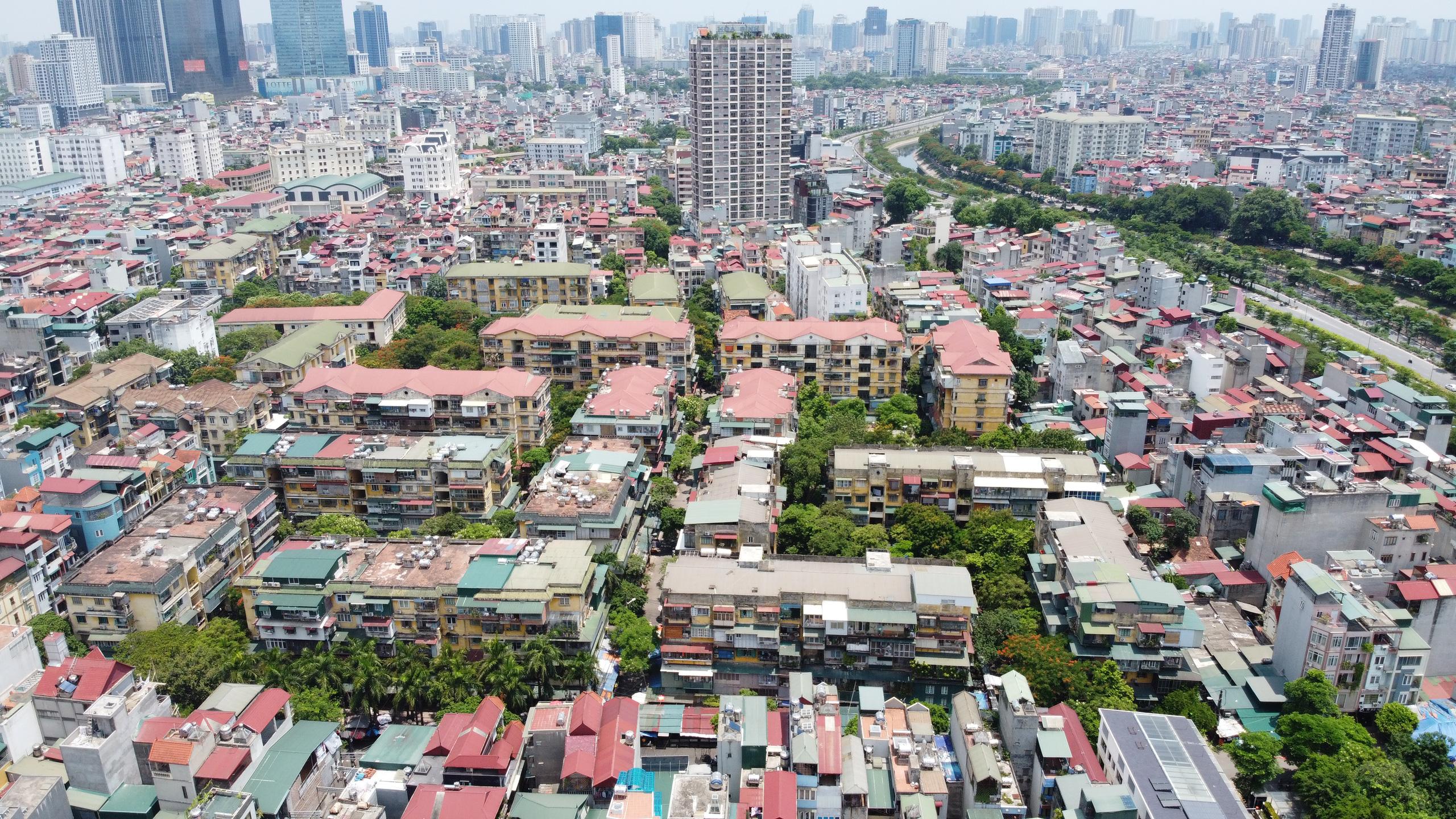 Nghiên cứu khung cơ chế chính sách xây dựng lại chung cư cũ ở Hà Nội - Ảnh 1.