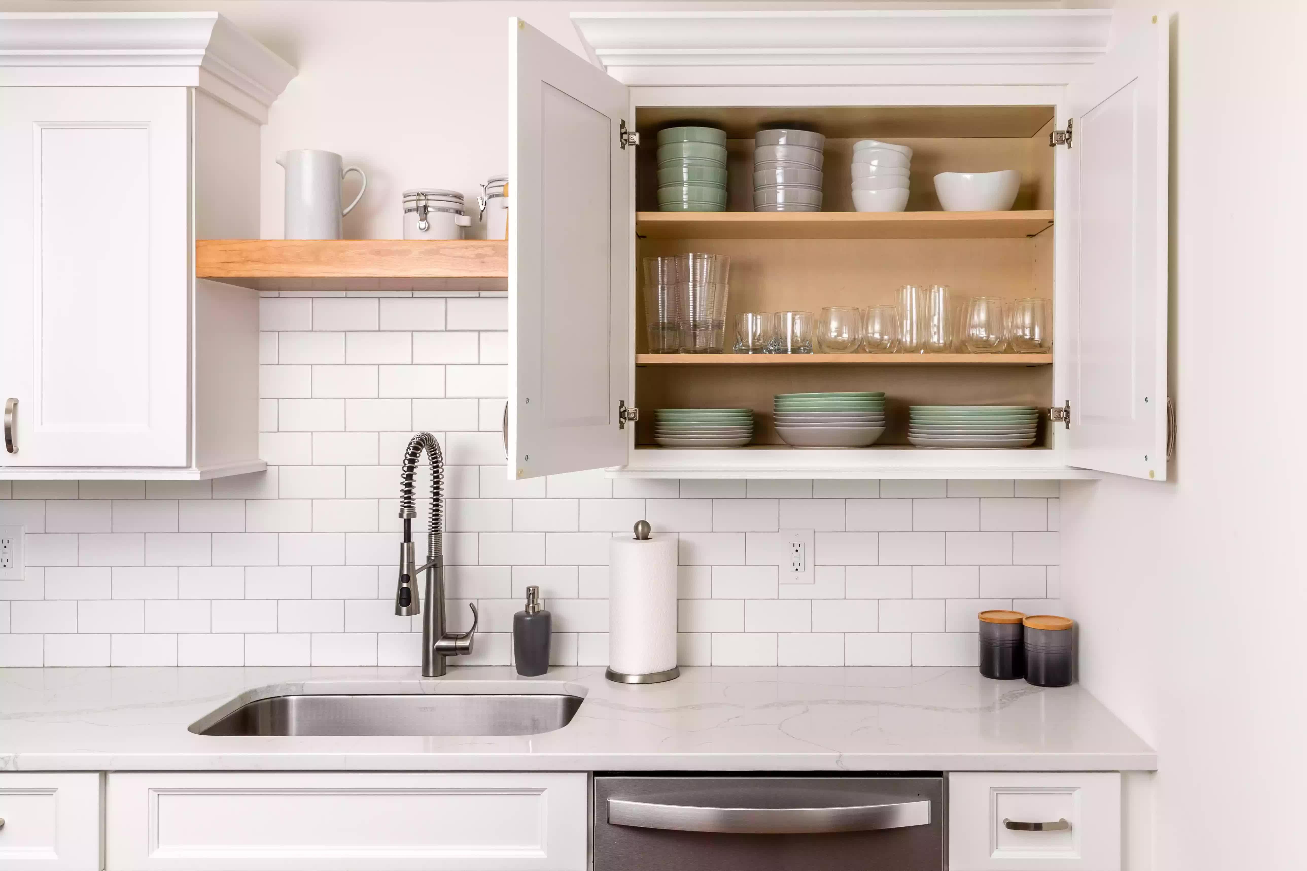 Mách bạn 5 cách sắp xếp nhà bếp gọn gàng và sạch sẽ - Ảnh 2.
