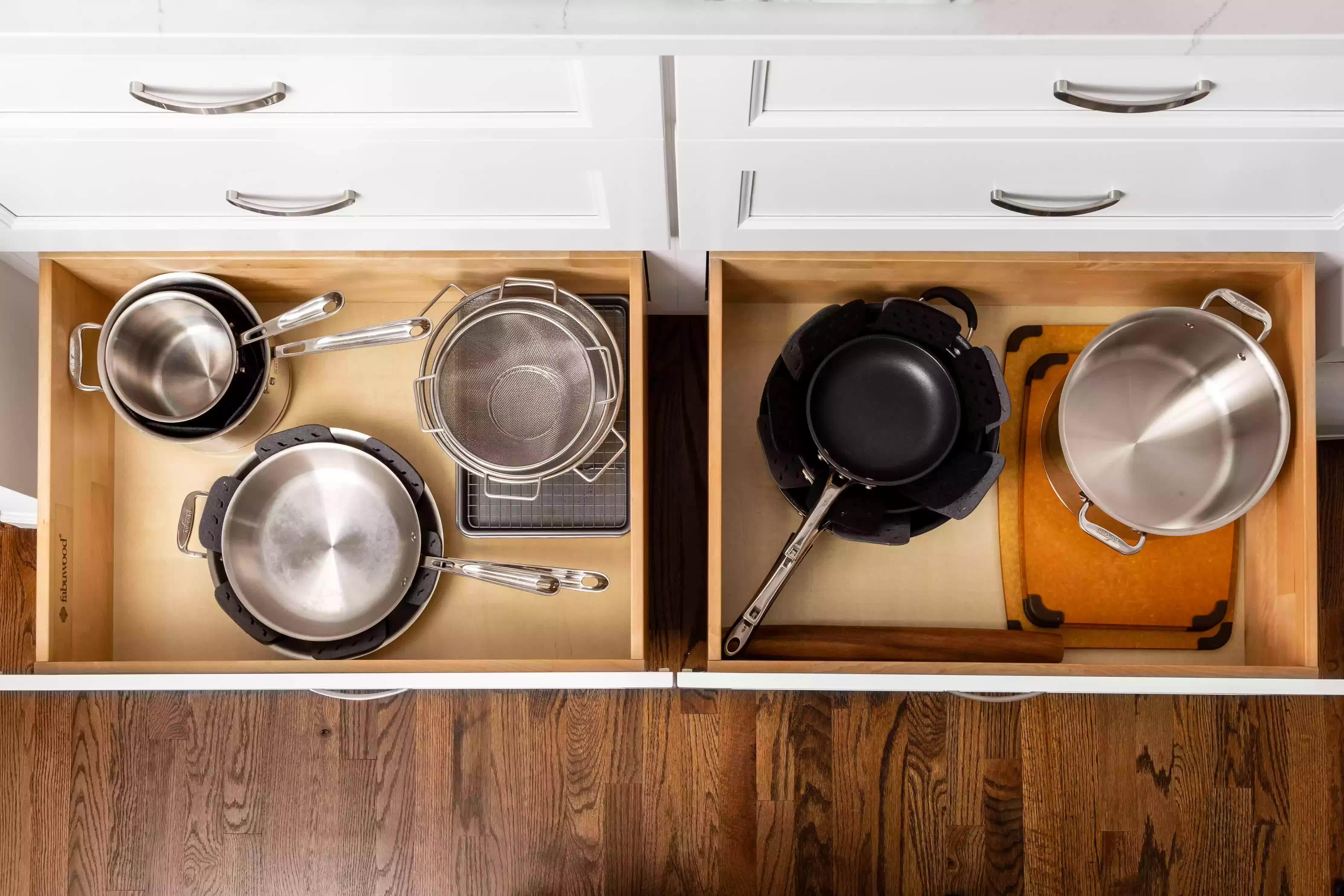 Mách bạn 5 cách sắp xếp nhà bếp gọn gàng và sạch sẽ - Ảnh 1.