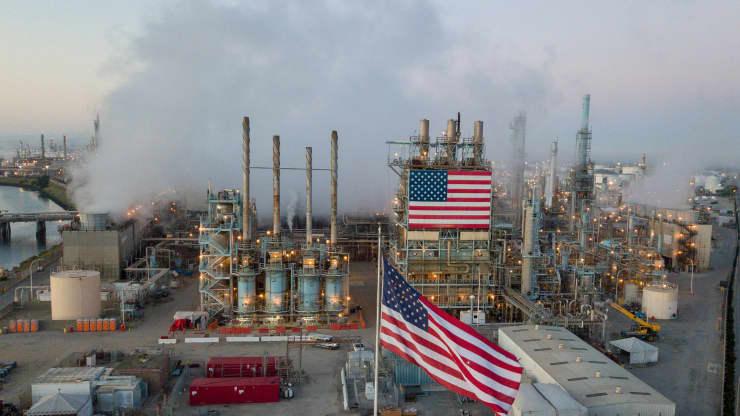 Giá xăng dầu hôm nay 13/5: Giá dầu giảm trở lại sau khi tăng cao trong 8 tuần - Ảnh 1.