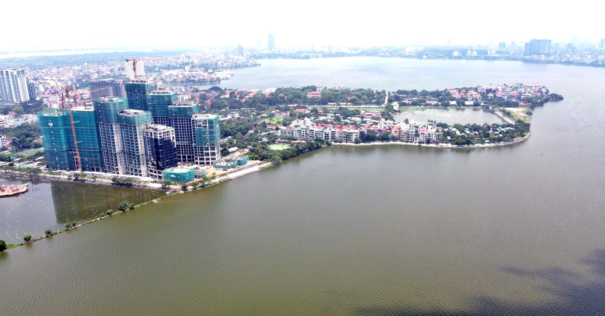 Cận cảnh những 'bán đảo' ngay giữa trung tâm Hà Nội - Ảnh 19.
