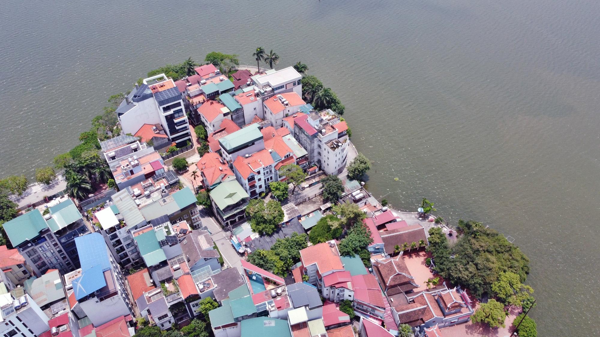 Cận cảnh những 'bán đảo' ngay giữa trung tâm Hà Nội - Ảnh 21.