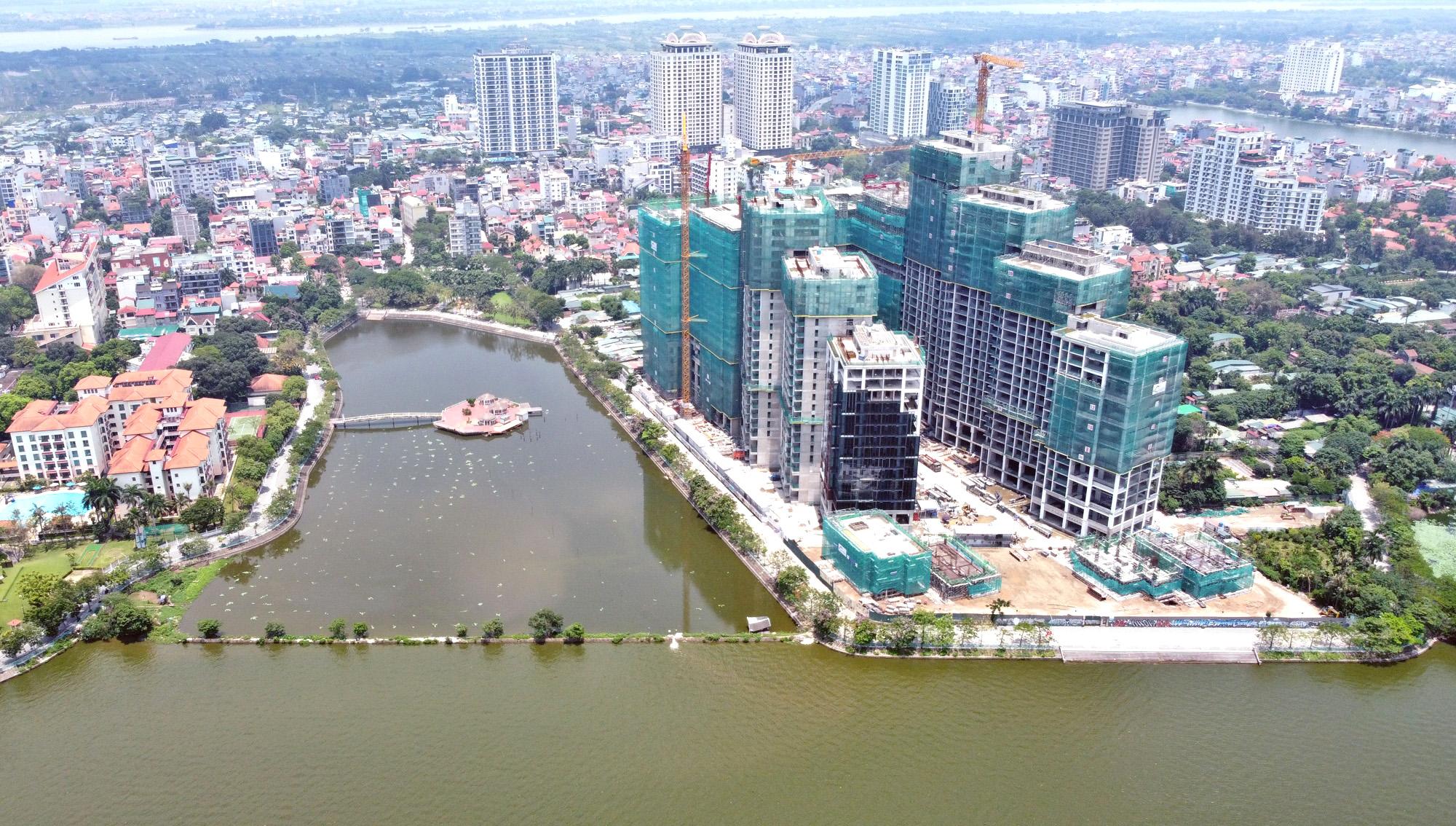Cận cảnh những 'bán đảo' ngay giữa trung tâm Hà Nội - Ảnh 26.