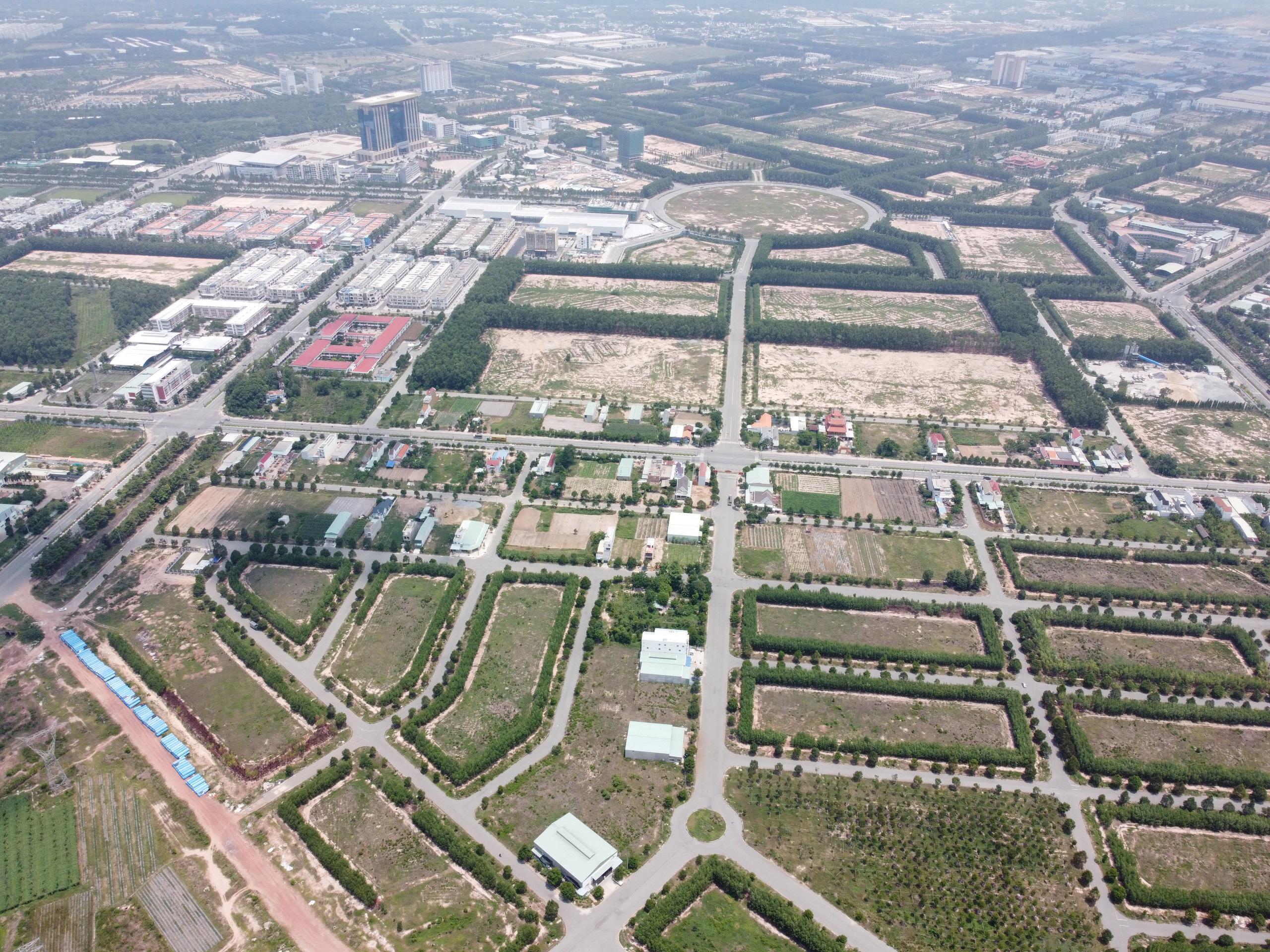 Cận cảnh 4 khu đất khoảng 1.000 tỷ ông Dũng 'lò vôi' tặng quỹ phòng chống COVID-19 - Ảnh 5.