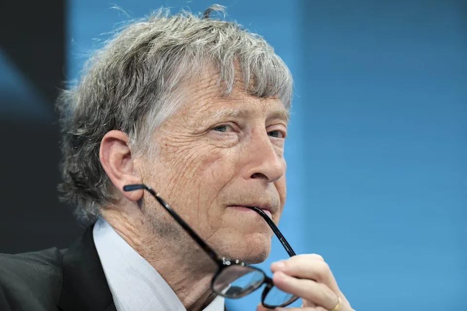 Bill Gates bị buộc rời hội đồng quản trị Microsoft ví dính líu tình cảm với nữ nhân viên - Ảnh 1.