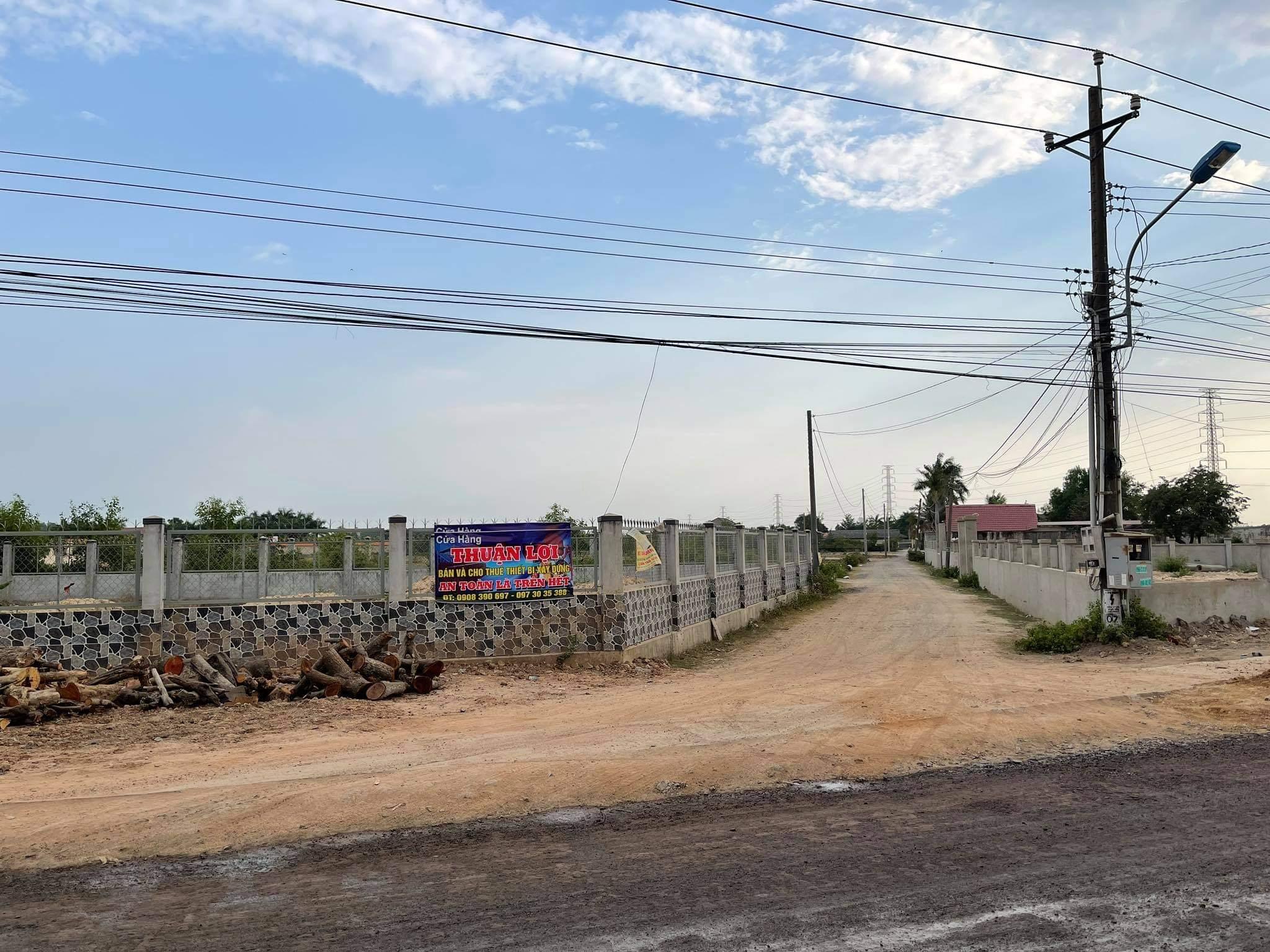 Nhiều khu dân cư, biệt thự bỏ hoang la liệt tại Đồng Nai sau những cơn sốt đất - Ảnh 6.