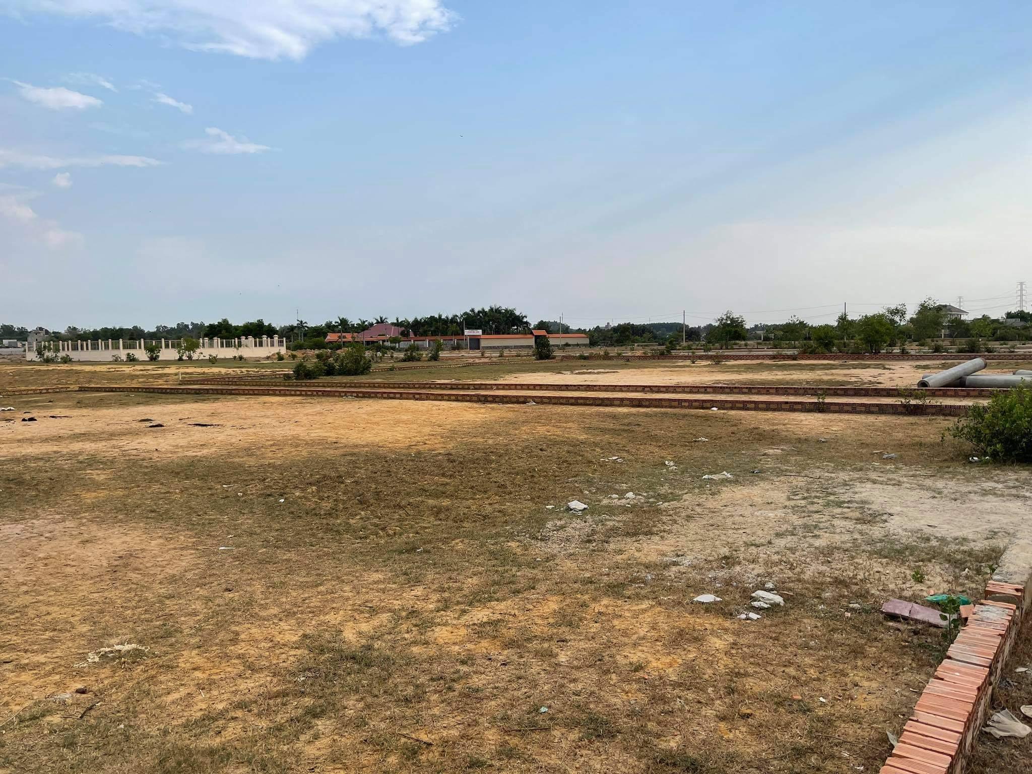Nhiều khu dân cư, biệt thự bỏ hoang la liệt tại Đồng Nai sau những cơn sốt đất - Ảnh 5.