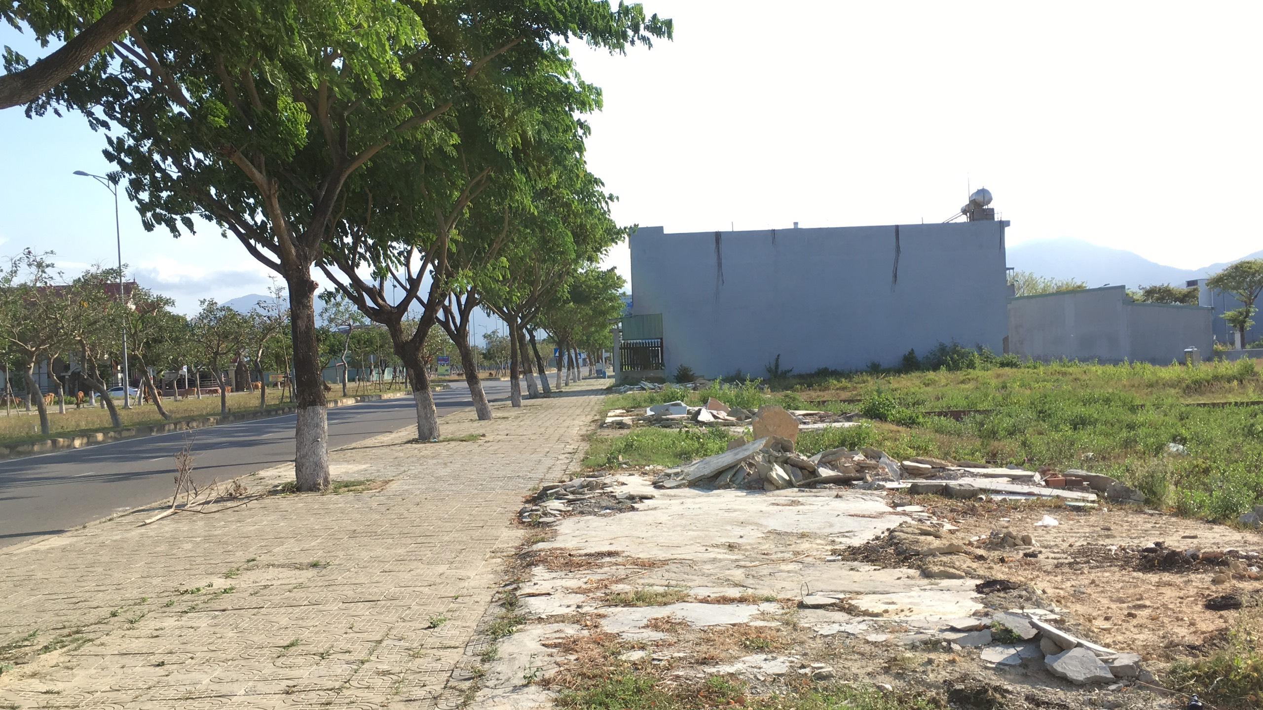 Trở lại nơi sốt đất ở Đà Nẵng, ki ốt bị dẹp hàng loạt, các dự án không bóng người - Ảnh 3.