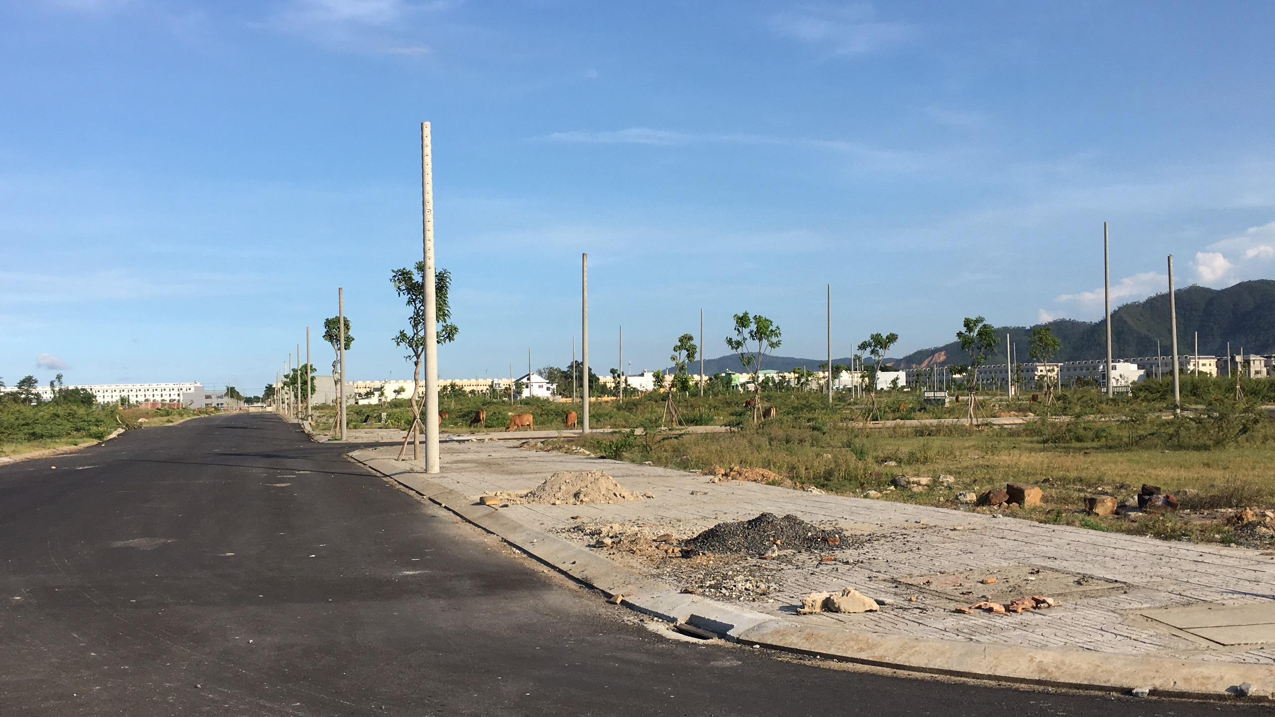 Trở lại nơi sốt đất ở Đà Nẵng, ki ốt bị dẹp hàng loạt, các dự án không bóng người - Ảnh 19.