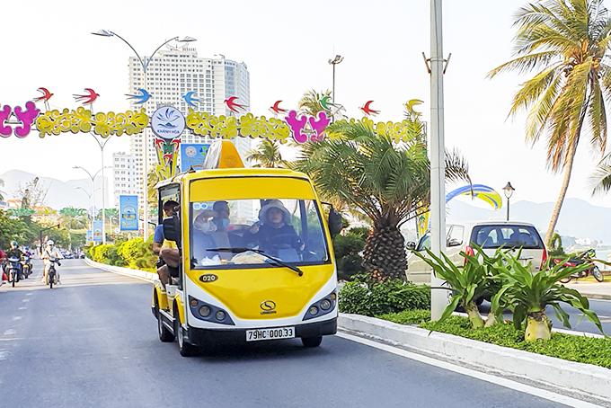 Đề xuất gia hạn thí điểm xe 4 bánh chạy bằng năng lượng điện tại Khánh Hoà - Ảnh 1.