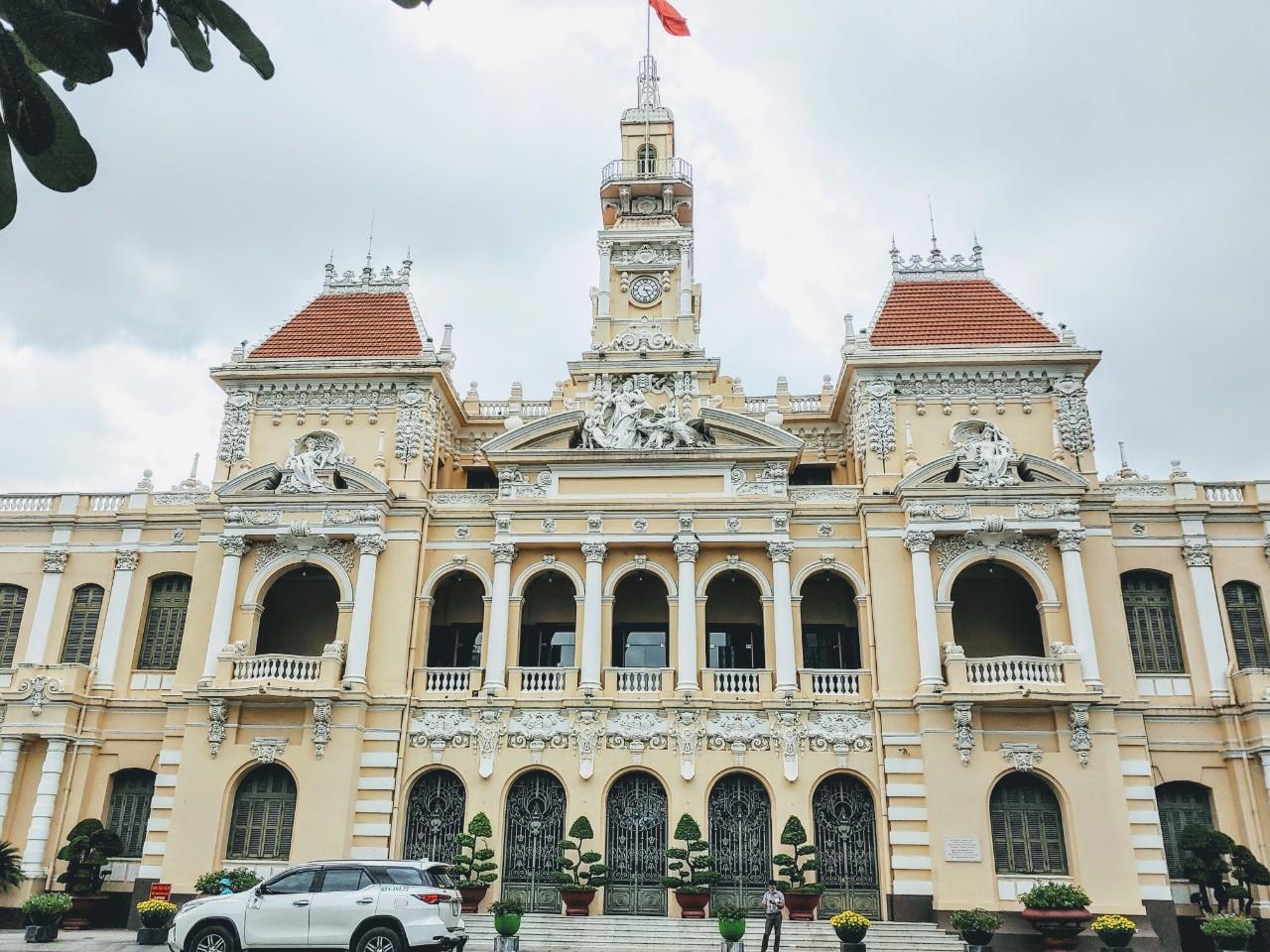 Thủ tướng đồng ý không cổ phần hóa Saigontourist - Ảnh 1.