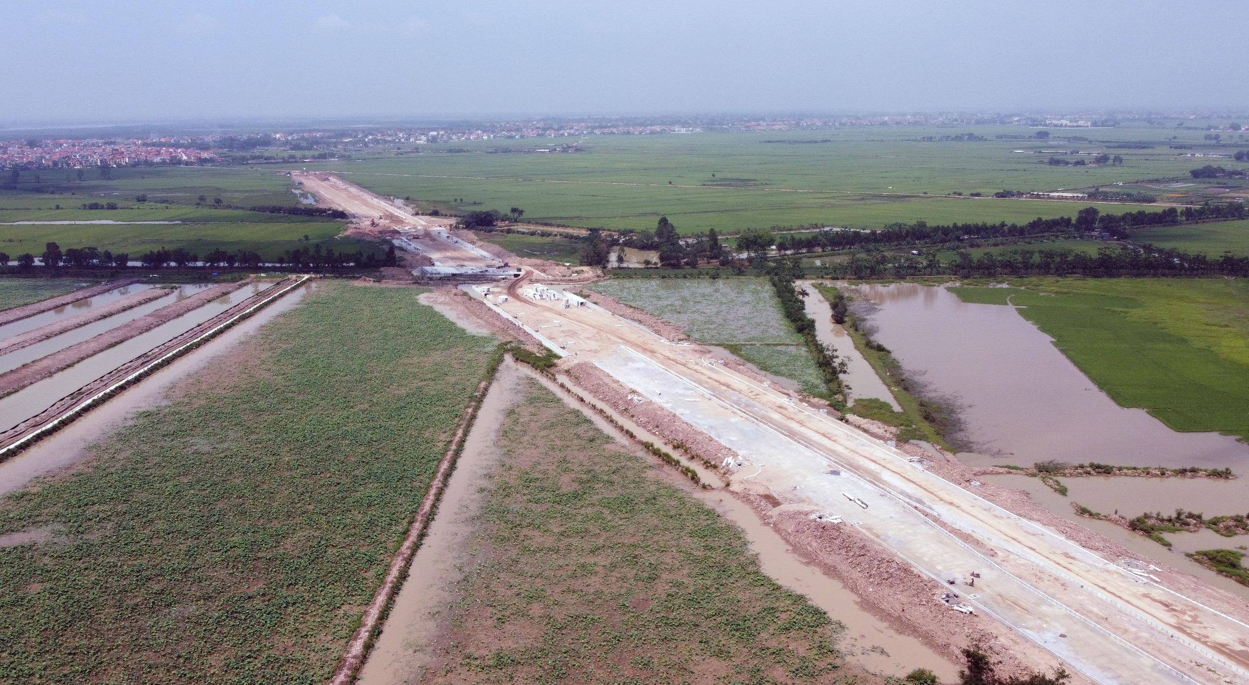 Phê duyệt chỉ giới đường đỏ tuyến đường tỉnh 413 ở thị xã Sơn Tây dài 5,9 km - Ảnh 1.