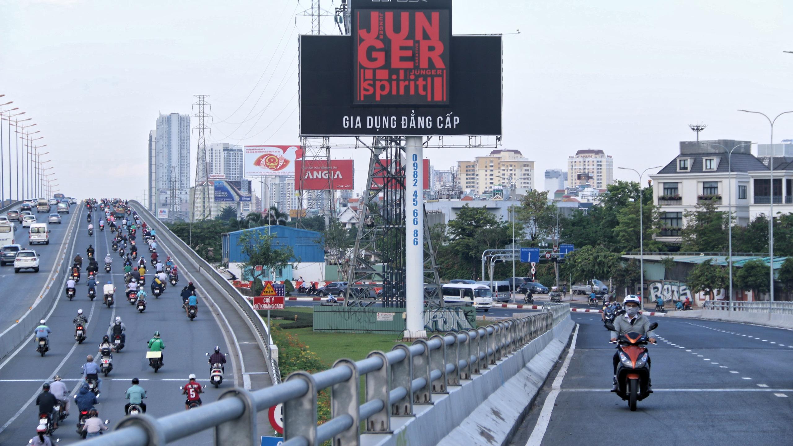 Trung tâm Sài Gòn thoáng đãng sau khi thông tuyến đường Nguyễn Hữu Cảnh và Lê Lợi - Ảnh 5.