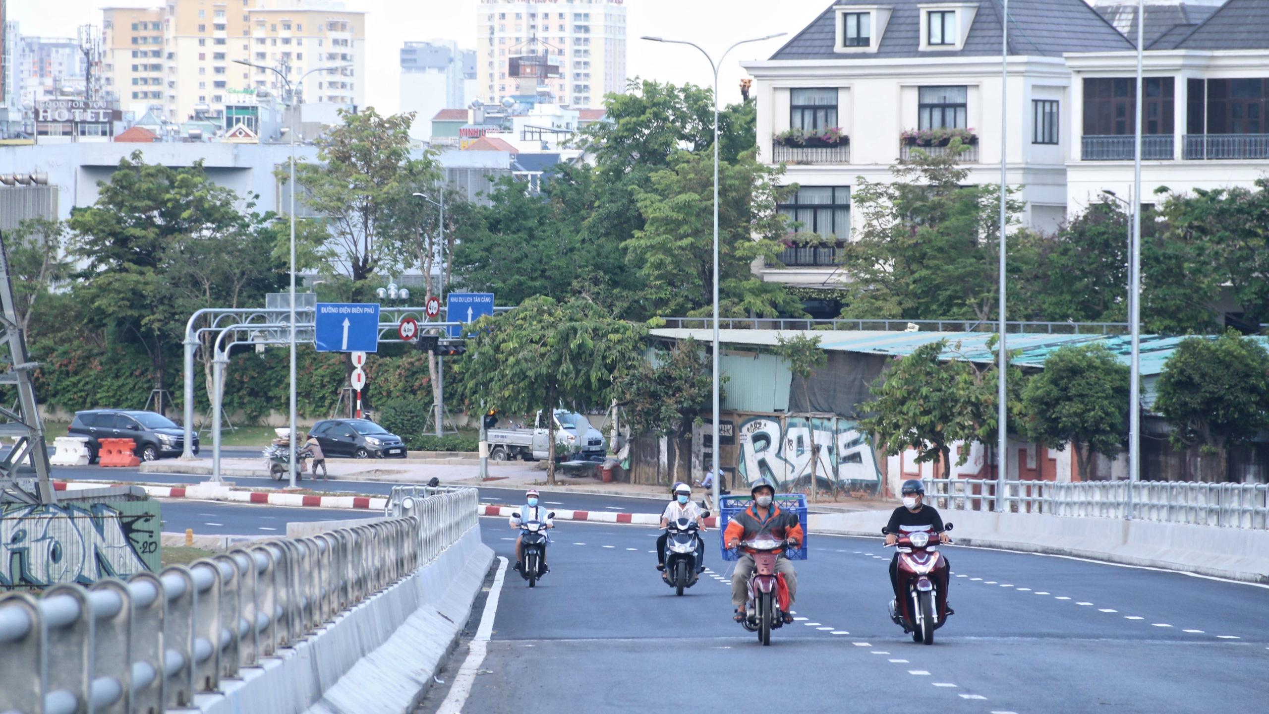 Trung tâm Sài Gòn thoáng đãng sau khi thông tuyến đường Nguyễn Hữu Cảnh và Lê Lợi - Ảnh 2.