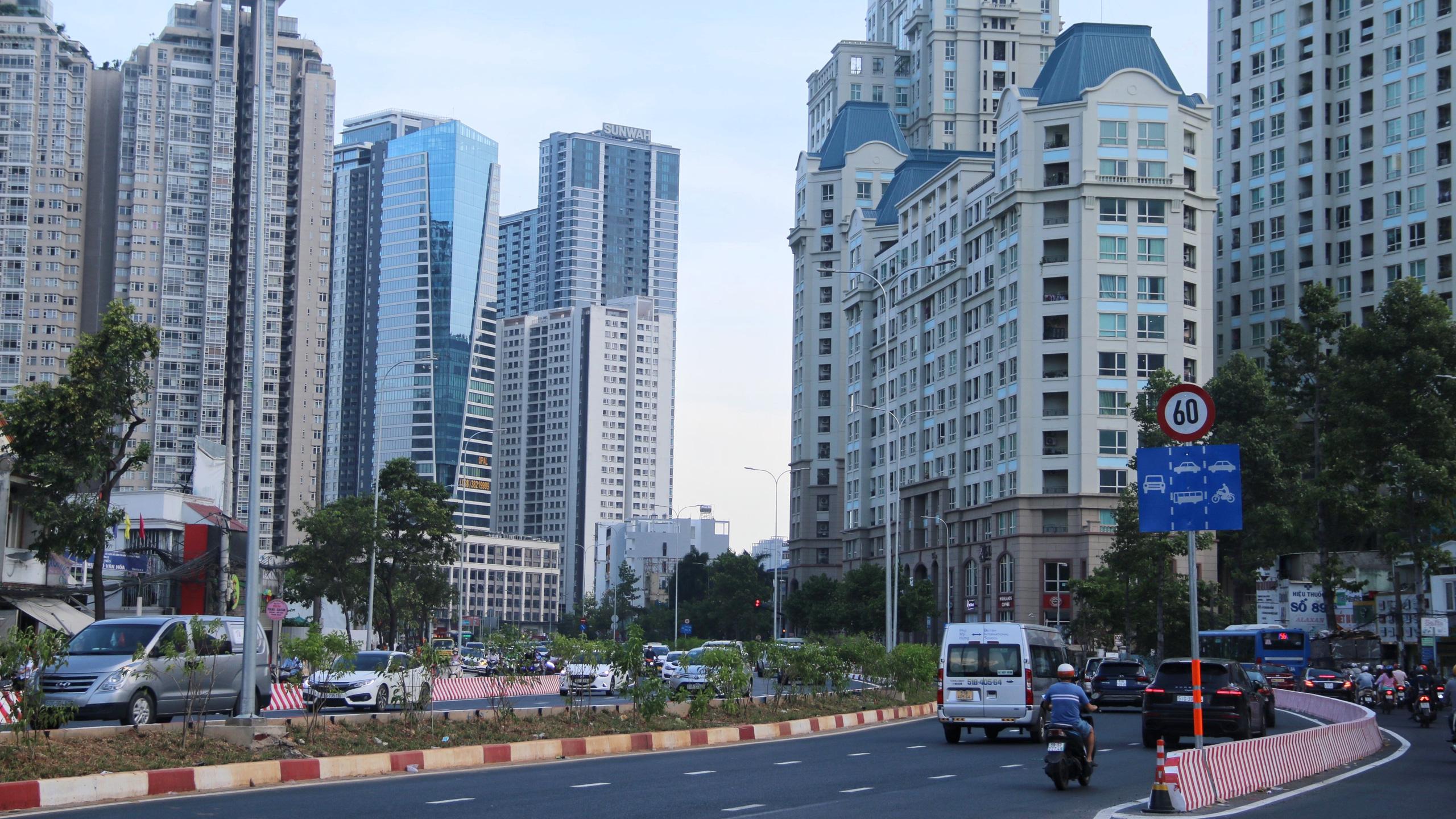 Trung tâm Sài Gòn thoáng đãng sau khi thông tuyến đường Nguyễn Hữu Cảnh và Lê Lợi - Ảnh 6.