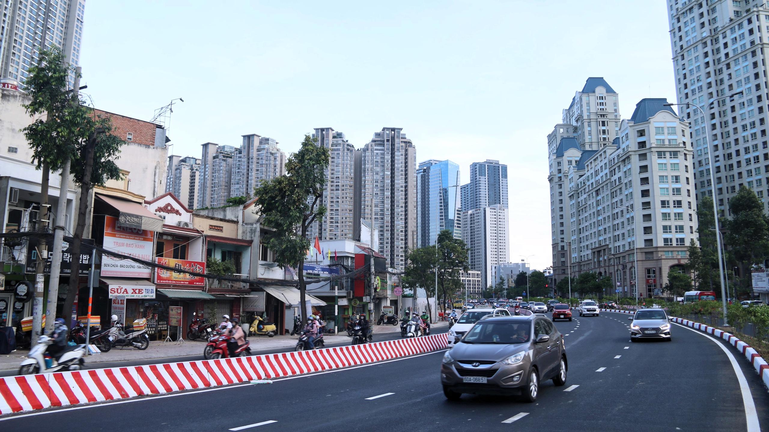Trung tâm Sài Gòn thoáng đãng sau khi thông tuyến đường Nguyễn Hữu Cảnh và Lê Lợi - Ảnh 4.