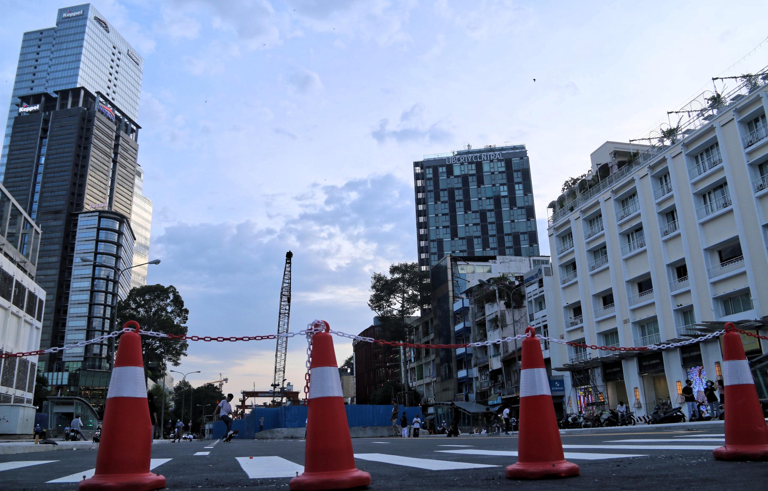 Trung tâm Sài Gòn thoáng đãng sau khi thông tuyến đường Nguyễn Hữu Cảnh và Lê Lợi - Ảnh 7.