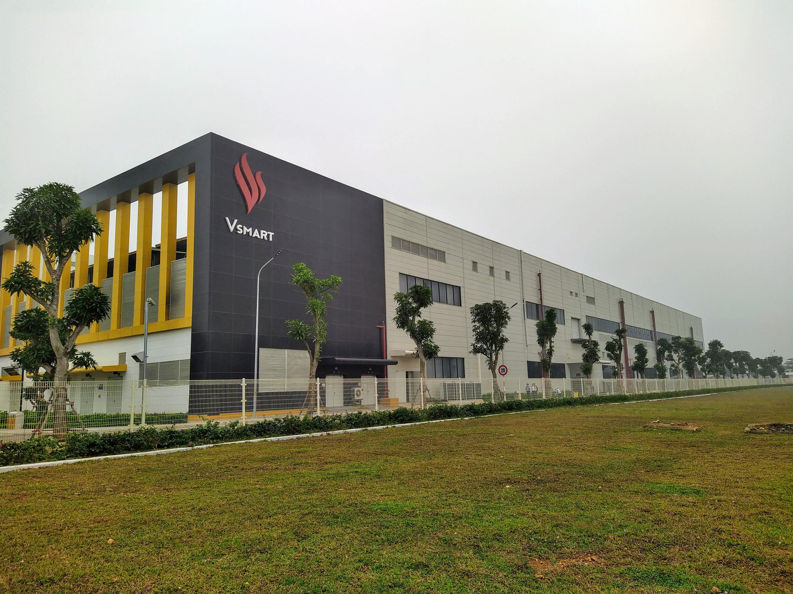 Số phận nhà máy công suất 125 triệu thiết bị mỗi năm của VinSmart khi mảng điện thoại bị đóng cửa - Ảnh 1.